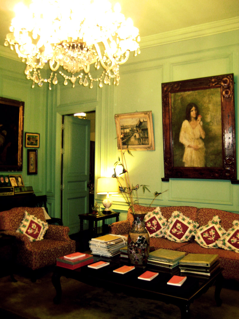 Old world dining for Living room zomato