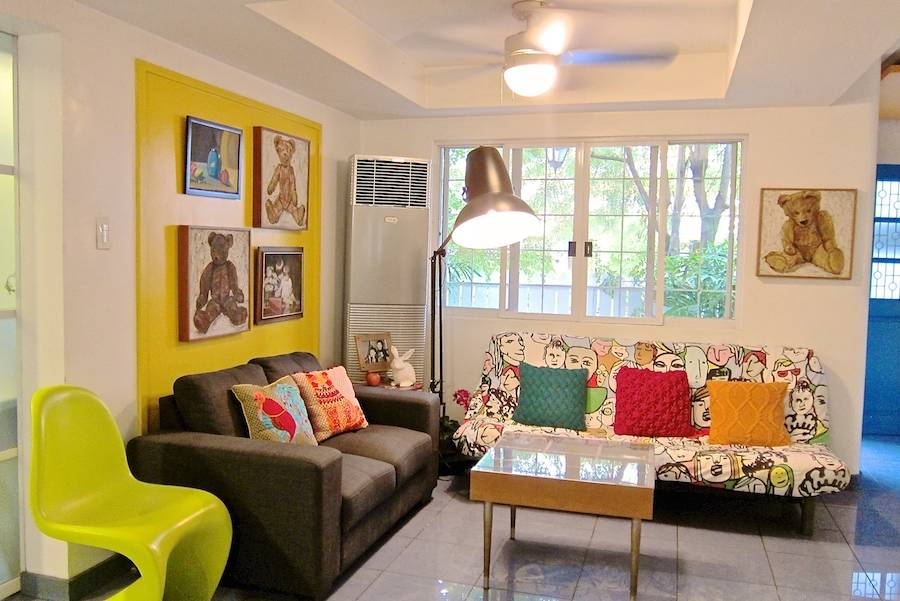 My space this quirky house is an interior designer 39 s for Quirky living room ideas